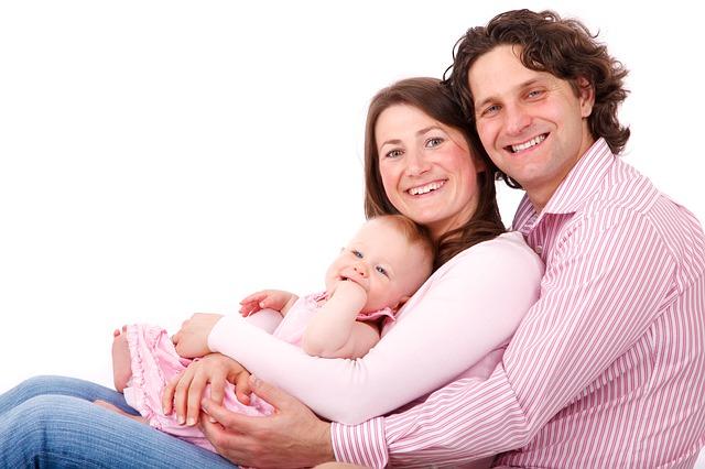 Rzeczy dziecięce dla matki oraz taty